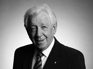 Mr Frank P Lowy AC - Chairman
